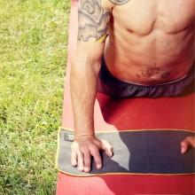 Natural Fitness Mały Ręcznik do Jogi (czarno/pomarańczowy)